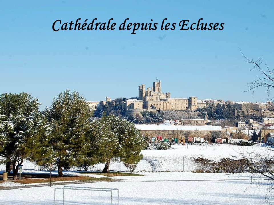 Cathédrale depuis les Ecluses