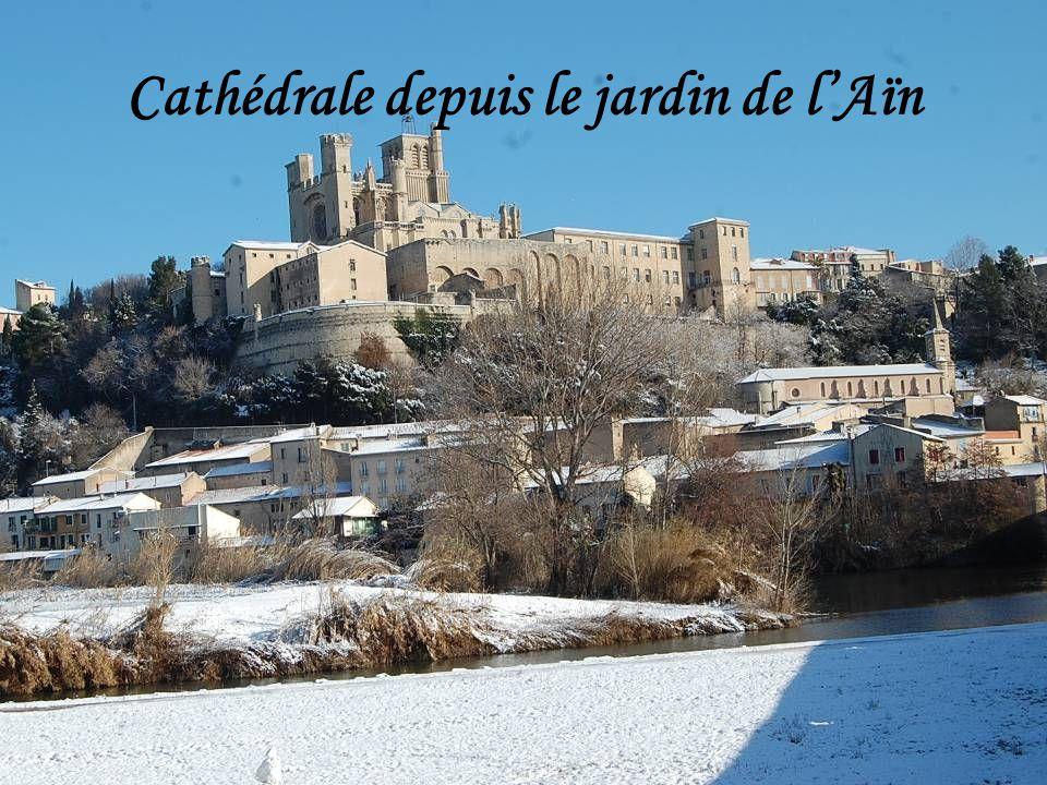 Cathédrale depuis le jardin de l'Aïn