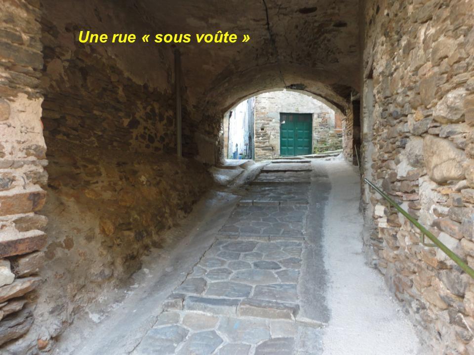 Une rue « sous voûte »
