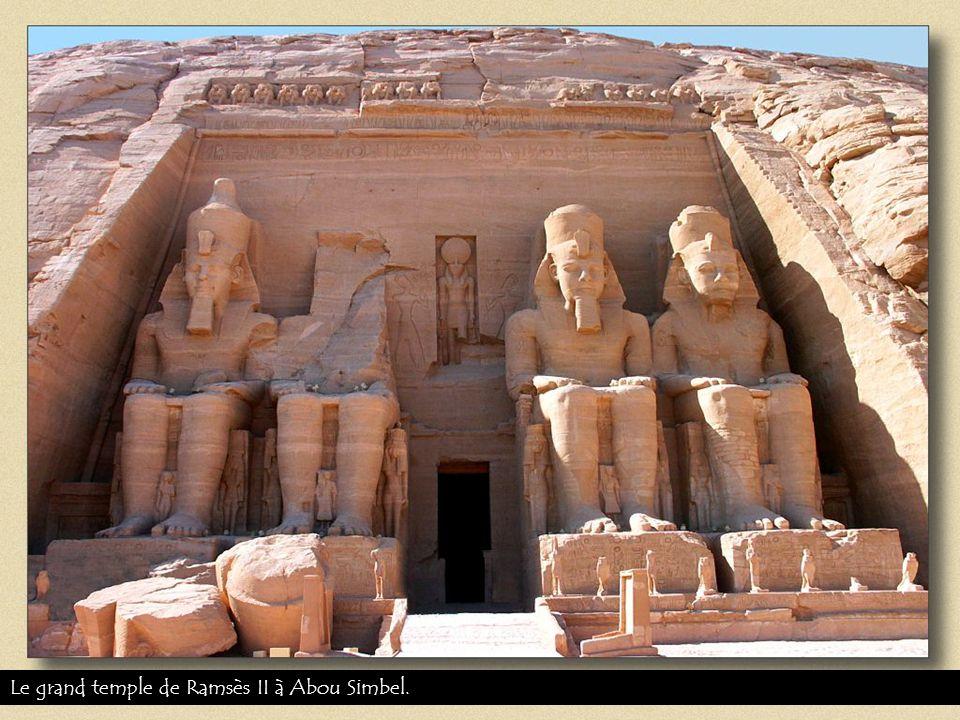 Le grand temple de Ramsès II à Abou Simbel.