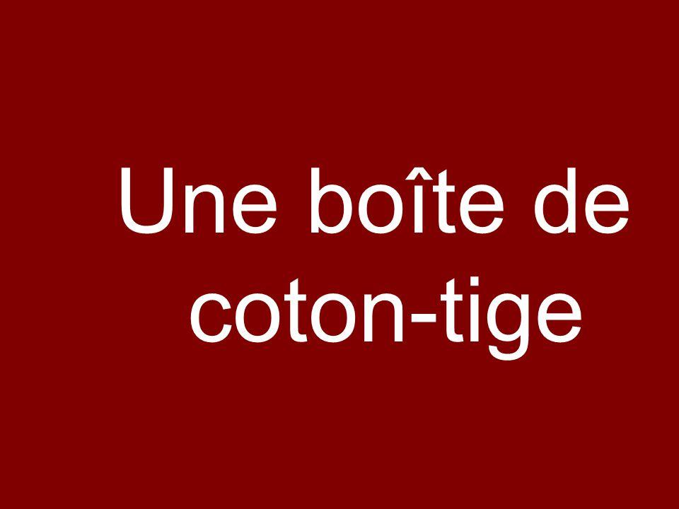 Une boîte de coton-tige