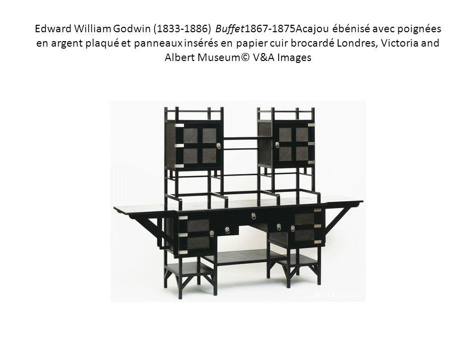 Edward William Godwin (1833-1886) Buffet1867-1875Acajou ébénisé avec poignées en argent plaqué et panneaux insérés en papier cuir brocardé Londres, Victoria and Albert Museum© V&A Images