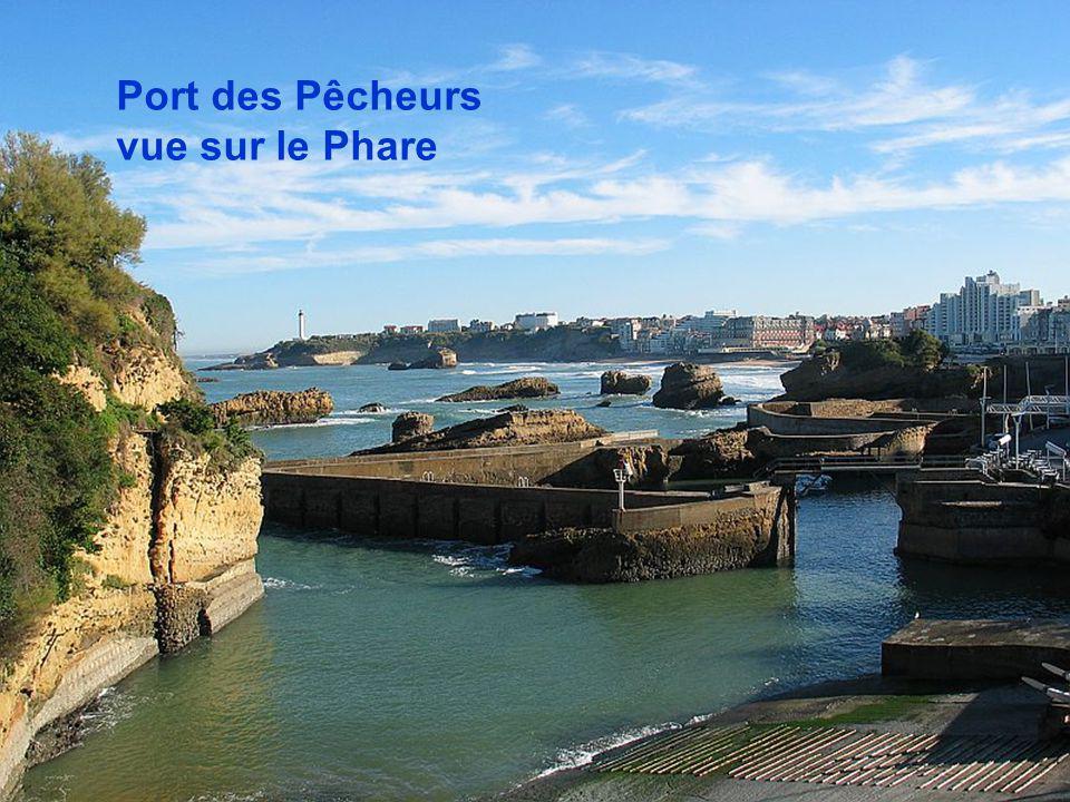 Port des Pêcheurs vue sur le Phare