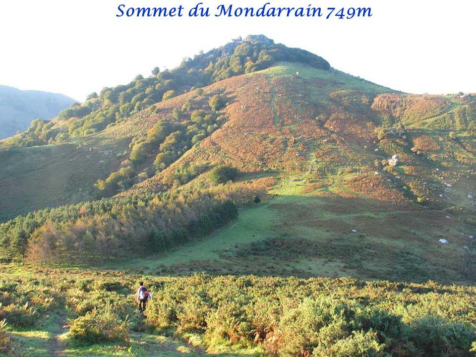 Sommet du Mondarrain 749m