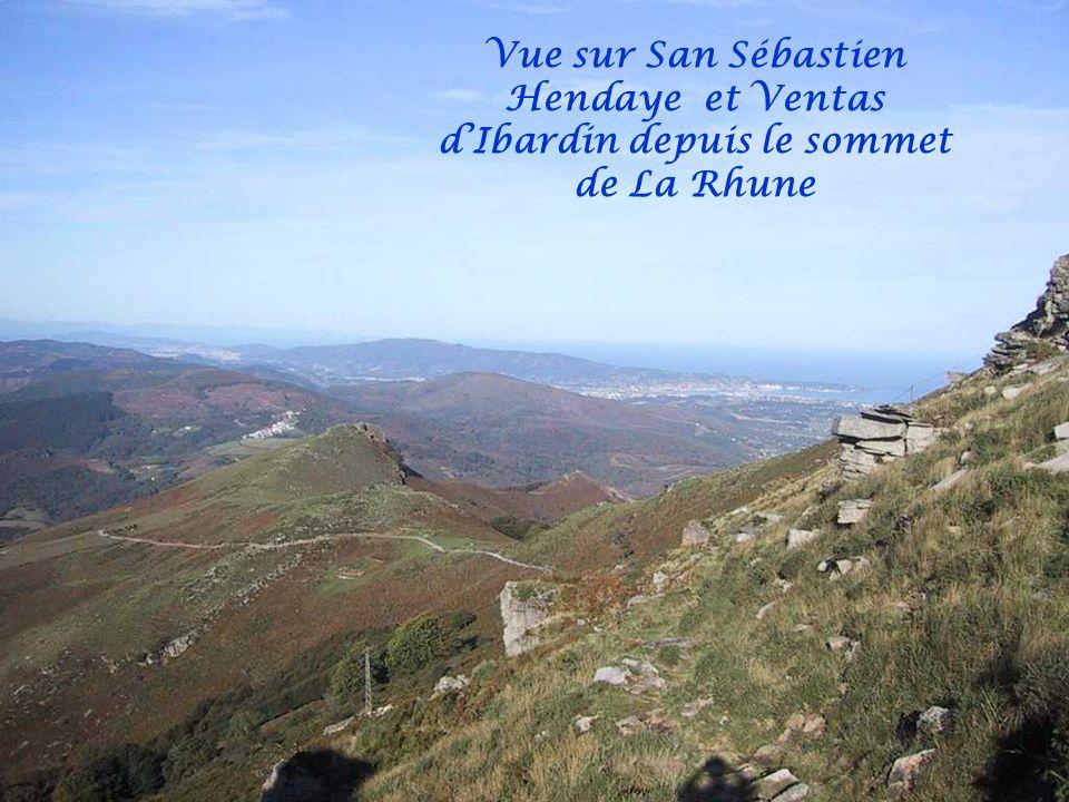 Vue sur San Sébastien Hendaye et Ventas d'Ibardin depuis le sommet de La Rhune