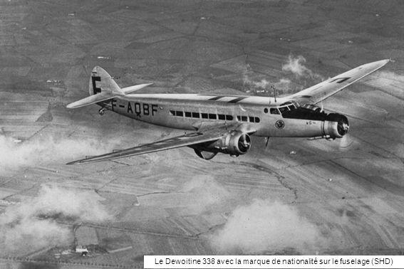 Le Dewoitine 338 avec la marque de nationalité sur le fuselage (SHD)