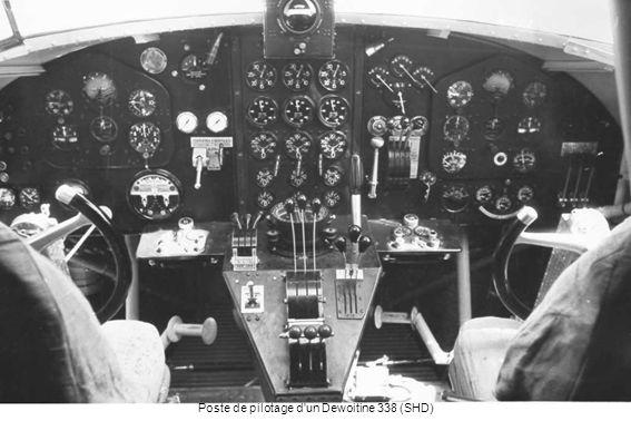 Poste de pilotage d un Dewoitine 338 (SHD)