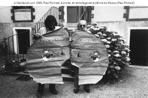 A Nantes en juin 1985, Paul Poinsot, à droite, et l'entoilage de la dérive du Kissou (Paul Poinsot)