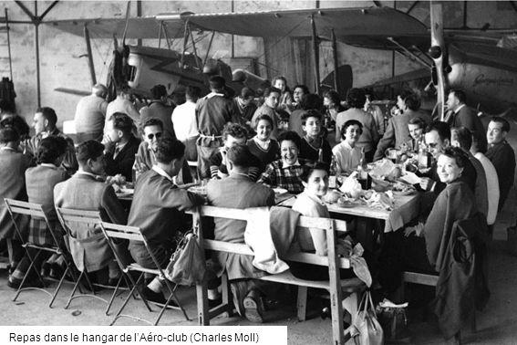 Repas dans le hangar de l'Aéro-club (Charles Moll)