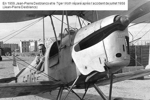 En 1959, Jean-Pierre Desblancs et le Tiger Moth réparé après l'accident de juillet 1958