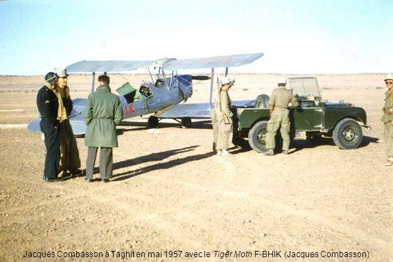 Jacques Combasson à Taghit en mai 1957 avec le Tiger Moth F-BHIK (Jacques Combasson)