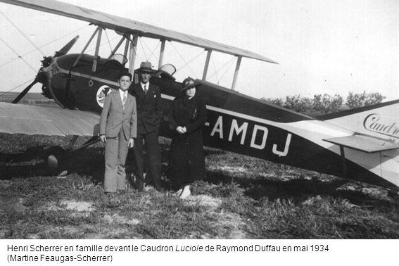 Henri Scherrer en famille devant le Caudron Luciole de Raymond Duffau en mai 1934