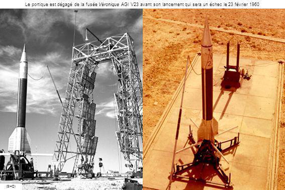 Le portique est dégagé de la fusée Véronique AGI V23 avant son lancement qui sera un échec le 23 février 1960
