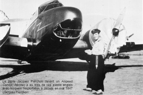 Le pilote Jacques Pierchon devant un Aispeed Consul
