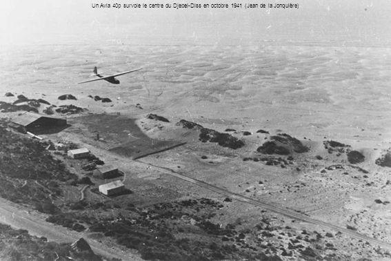 Un Avia 40p survole le centre du Djebel-Diss en octobre 1941 (Jean de la Jonquière)