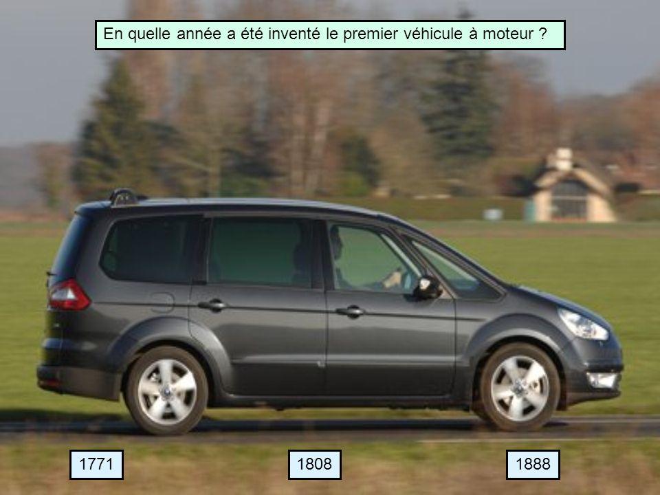 En quelle année a été inventé le premier véhicule à moteur