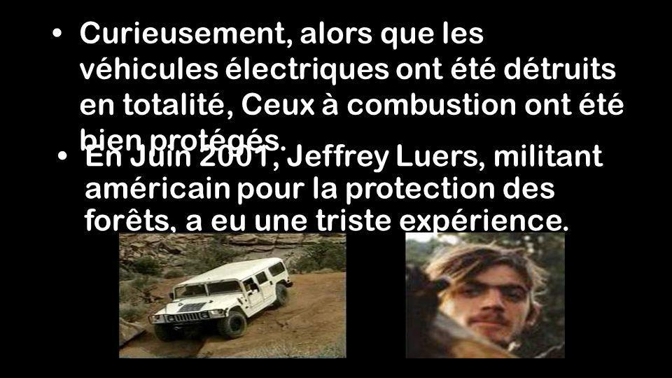 Curieusement, alors que les véhicules électriques ont été détruits en totalité, Ceux à combustion ont été bien protégés.