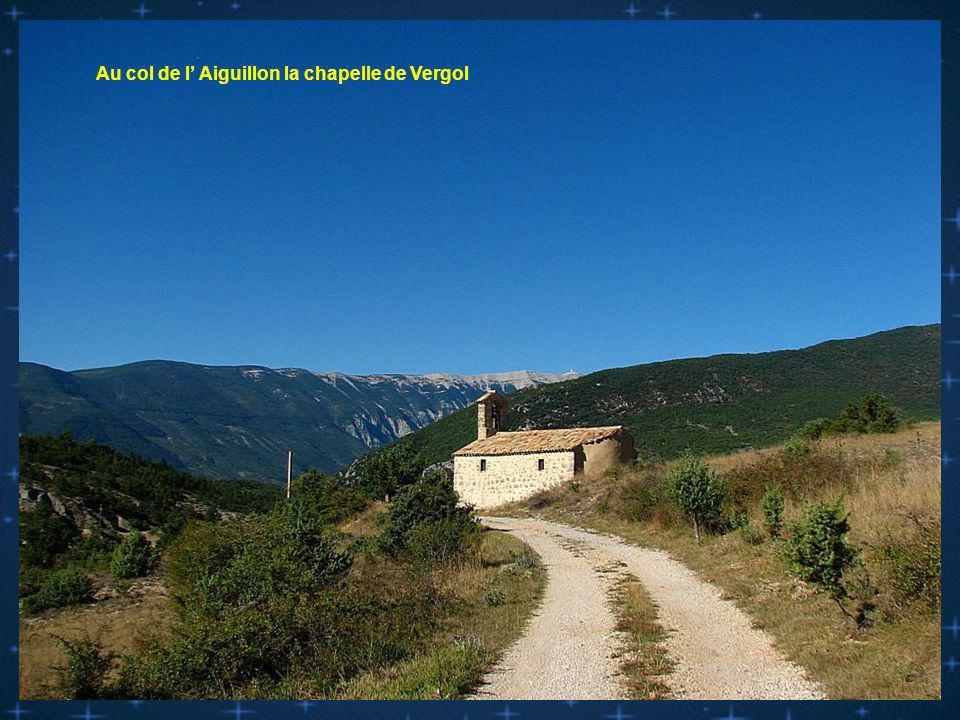 Au col de l' Aiguillon la chapelle de Vergol