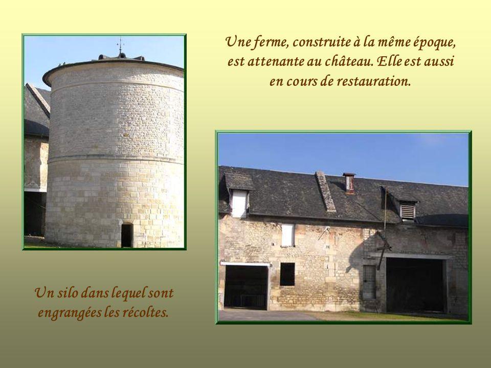 Un silo dans lequel sont engrangées les récoltes.