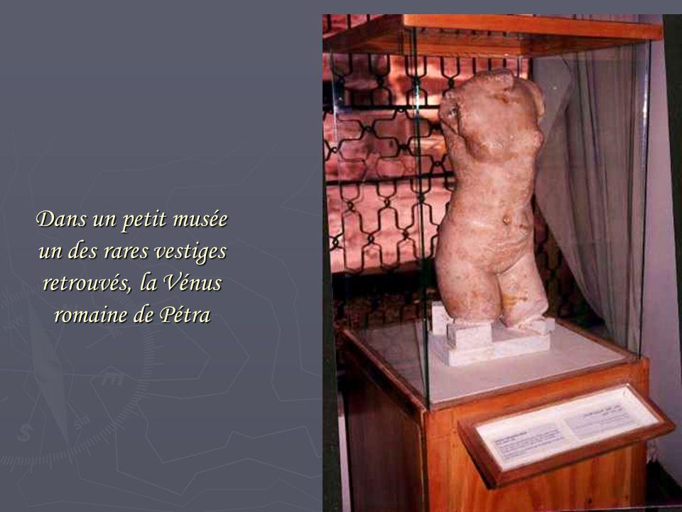 Dans un petit musée un des rares vestiges retrouvés, la Vénus romaine de Pétra
