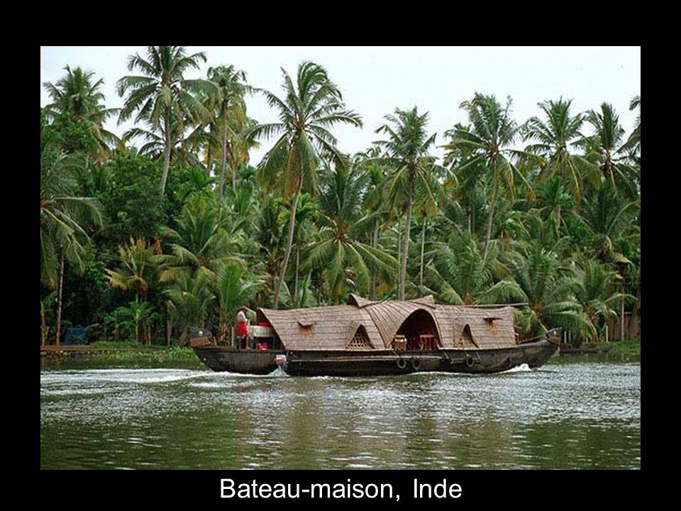 Bateau-maison, Inde