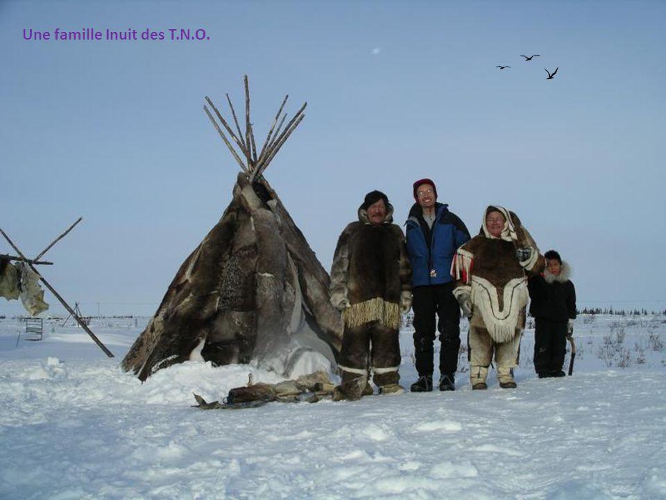Une famille Inuit des T.N.O.
