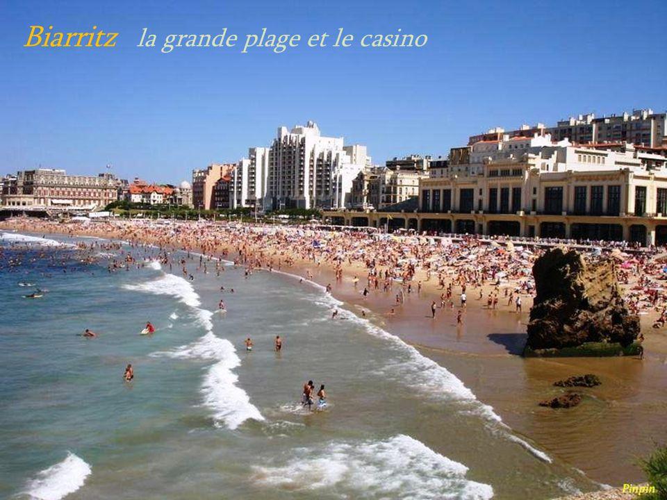 Biarritz la grande plage et le casino