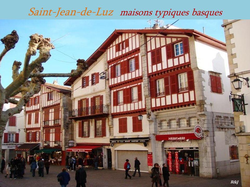 Saint-Jean-de-Luz maisons typiques basques