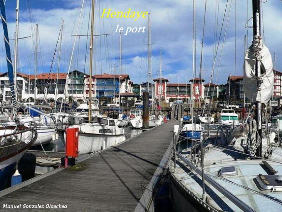 Hendaye . le port