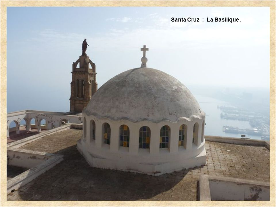 Santa Cruz : La Basilique .