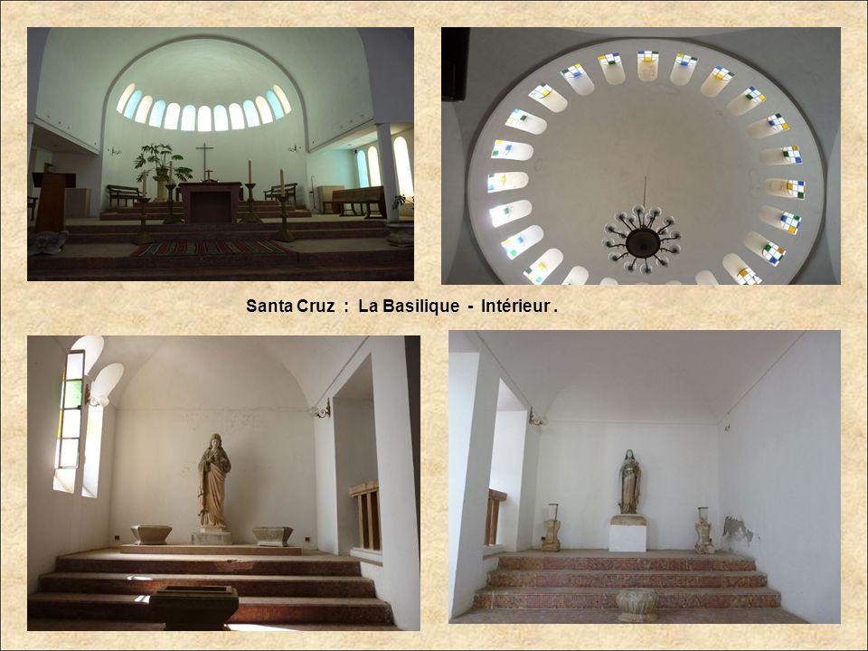 Santa Cruz : La Basilique - Intérieur .