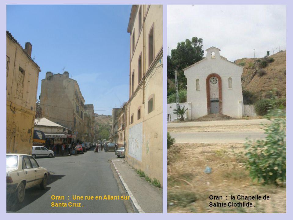 Oran : Une rue en Allant sur