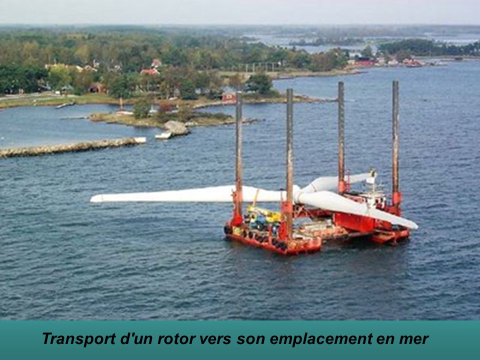Transport d un rotor vers son emplacement en mer