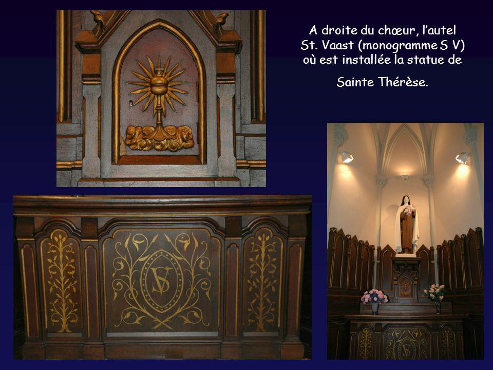 A droite du chœur, l'autel