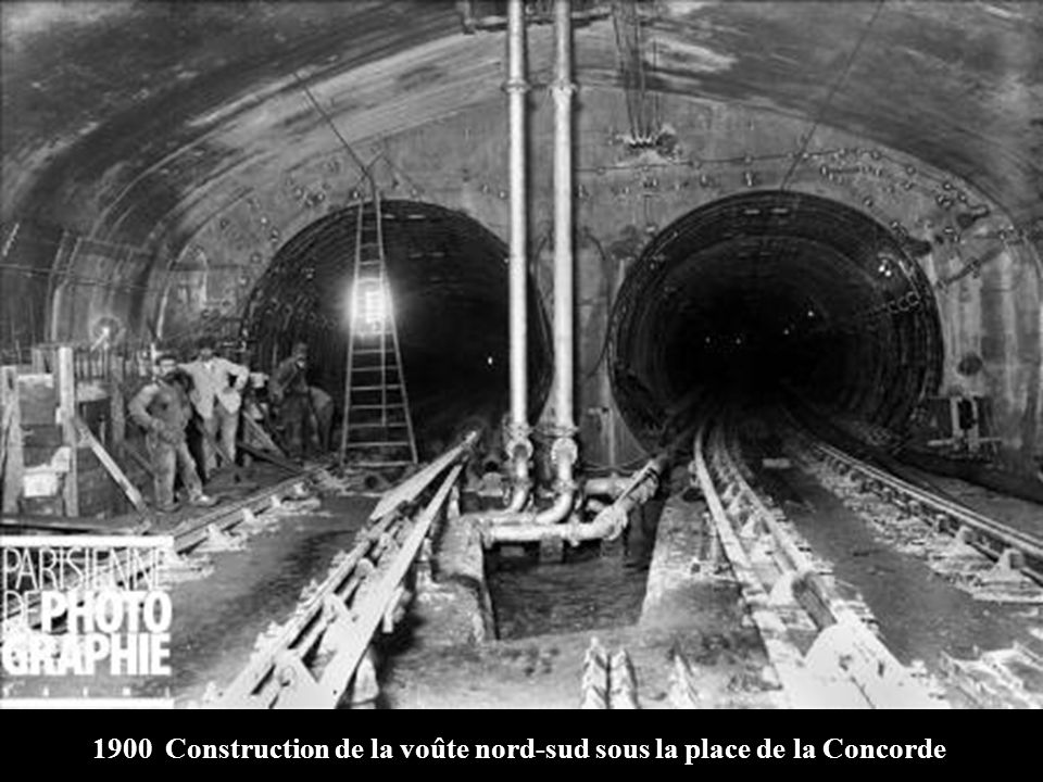1900 Construction de la voûte nord-sud sous la place de la Concorde