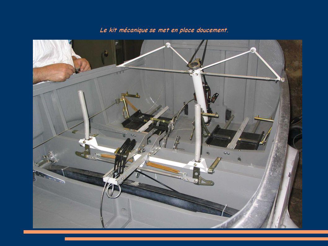 Le kit mécanique se met en place doucement.