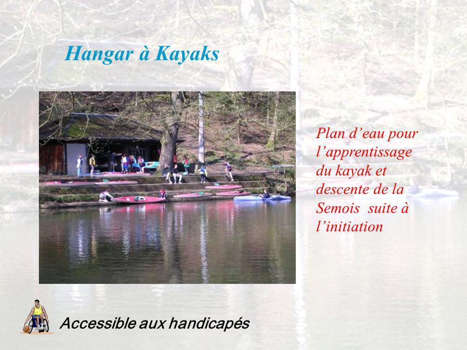 Hangar à Kayaks Plan d'eau pour l'apprentissage du kayak et descente de la Semois suite à l'initiation.
