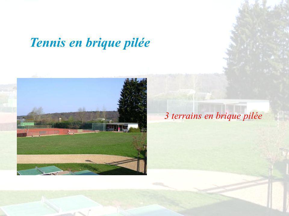 Tennis en brique pilée 3 terrains en brique pilée