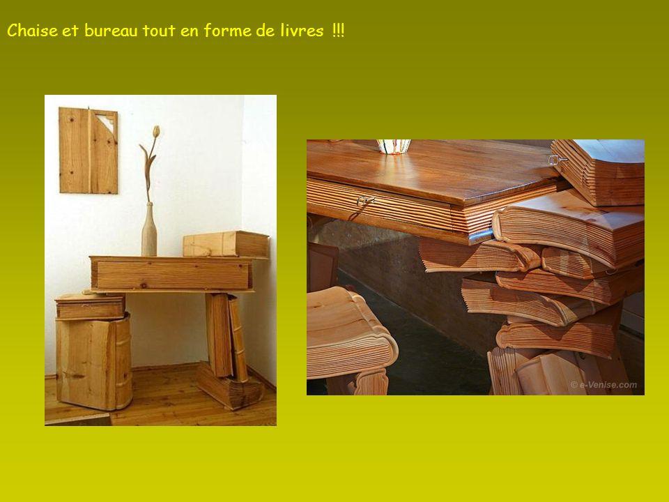 Chaise et bureau tout en forme de livres !!!