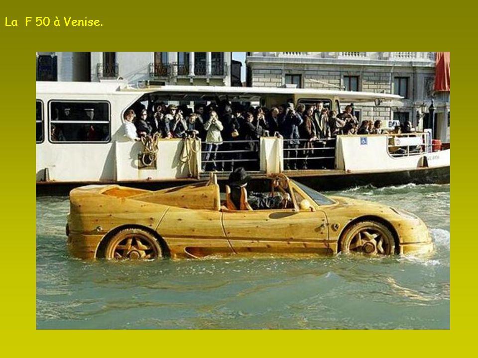 La F 50 à Venise.