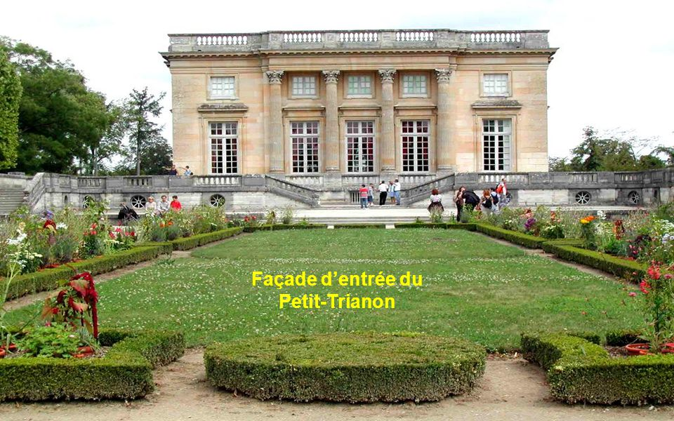 Façade d'entrée du Petit-Trianon