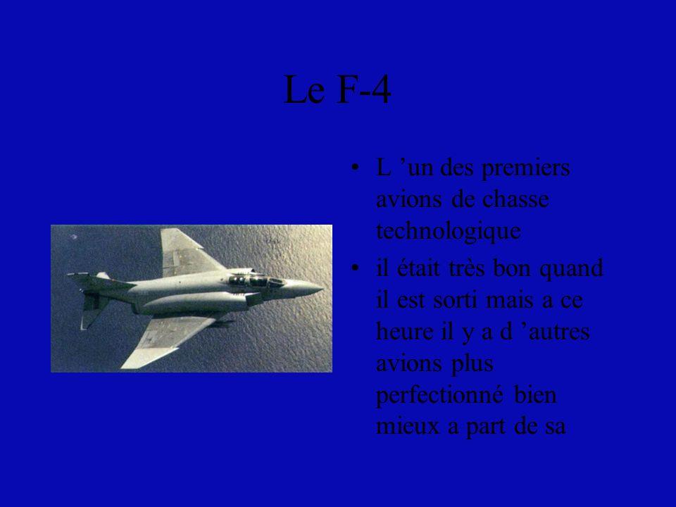Le F-4 L 'un des premiers avions de chasse technologique