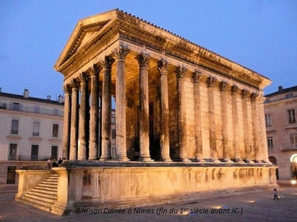 Maison Carrée à Nîmes (fin du 1er siècle avant JC.)