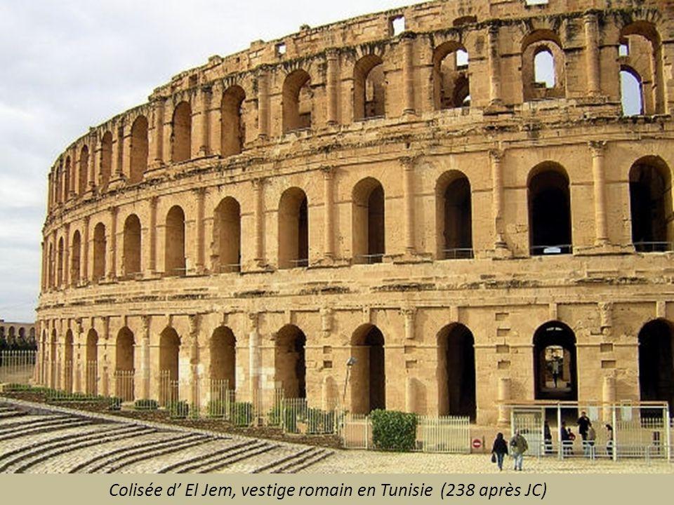 Colisée d' El Jem, vestige romain en Tunisie (238 après JC)