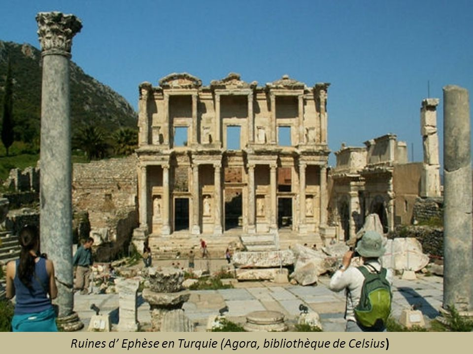 Ruines d' Ephèse en Turquie (Agora, bibliothèque de Celsius)