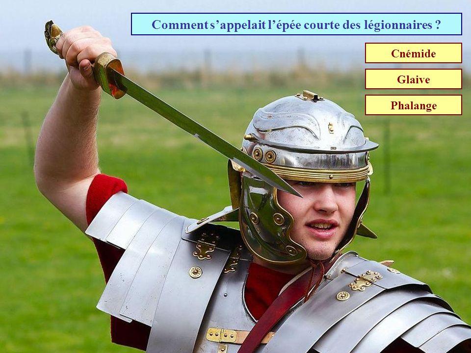 Comment s'appelait l'épée courte des légionnaires