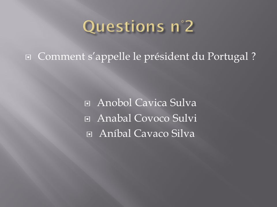 Comment s'appelle le président du Portugal