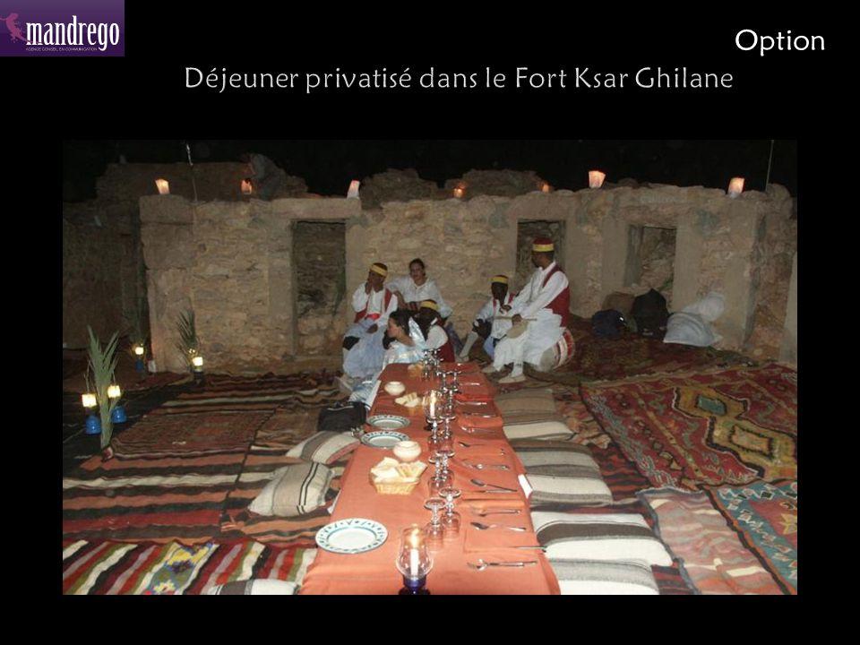 Déjeuner privatisé dans le Fort Ksar Ghilane