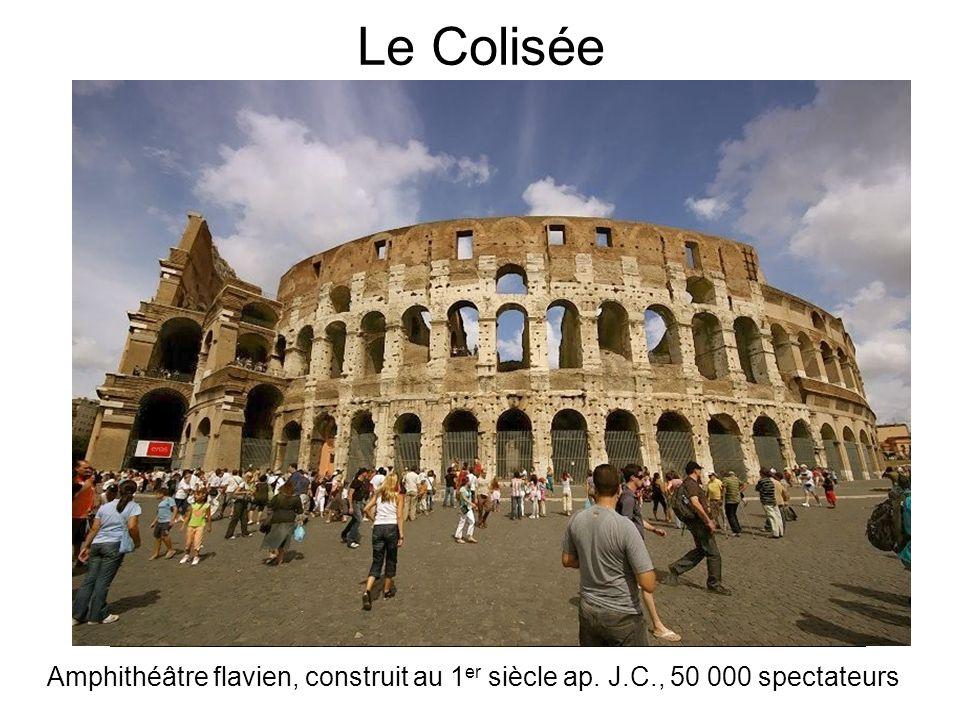 Le Colisée Amphithéâtre flavien, construit au 1er siècle ap. J.C., 50 000 spectateurs