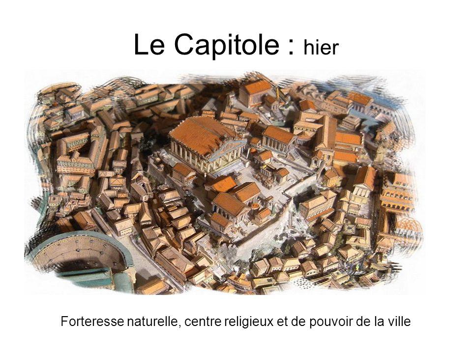 Forteresse naturelle, centre religieux et de pouvoir de la ville
